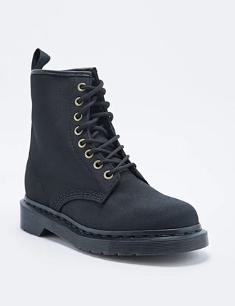 shoes black boots black combat boots combat boots fall boots black cute boots boots black combat little black boots
