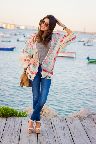 shoes and basics blogger kimono suede bag cardigan floral vintage