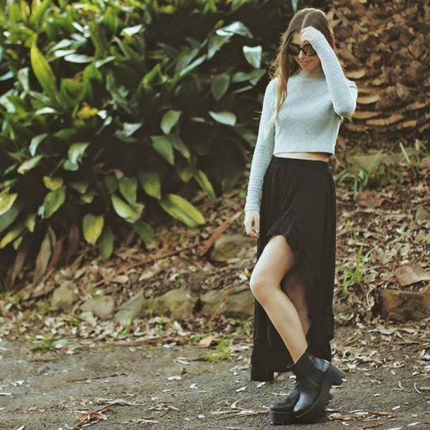 we the spies blogger sunglasses slit skirt cropped sweater chunky boots