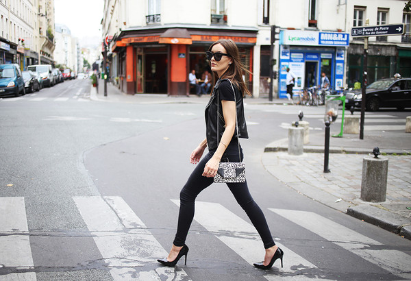 anouska proetta brandon blogger jeans shoes top jacket sunglasses bag