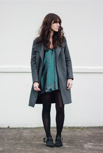 the mop top blogger green dress grey coat winter outfits dress coat shoes