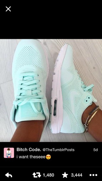 shoes mint nikes nike brand name workout shoes make-up eyes