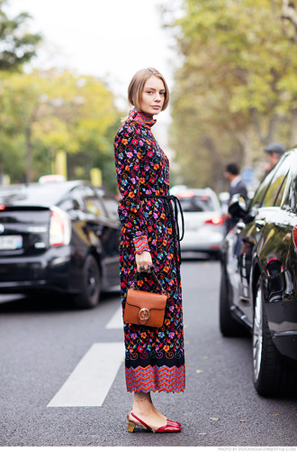 carolines mode blogger floral dress long sleeve dress fall dress retro 70s style gucci bag our favorite dresses 2015