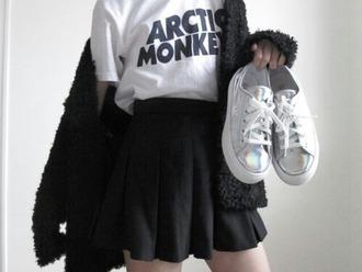 arctic monkeys i want it so bad i want it all black skirt faux fur iridescent shoes