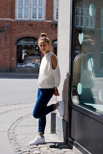 sweater cut-out shoulder sweater white sweater cut out shoulder long sleeves jeans skinny jeans blue jeans high top sneakers sneakers white sneakers nike shoes nike nike sneakers