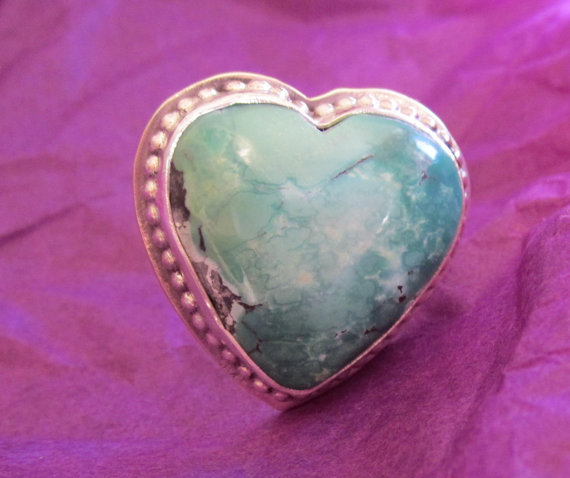 Natural green turquoise and sterling ring   par nancygreenjewelry