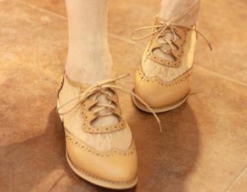 Good quallity lace flower flat shoe..