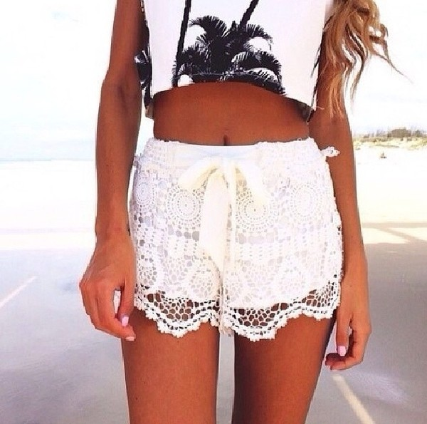 tank top beach palm tree print crop tops black and white shorts lace summer outfits white lace shorts white lace shorts High waisted shorts outfit clothes summer summer outfits