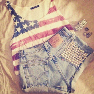 tank top outfit cute look fashion shorts top shirt bracelets