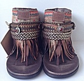 shoes,sandals,brown,tribal pattern