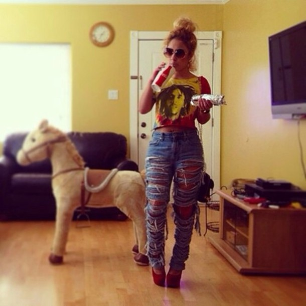 tank top bob marley colorful jeans