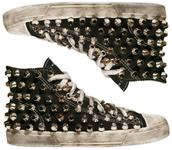 studs,converse,black shoes,shoes