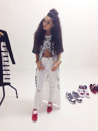 shirt long shirt open front pants black red nicole zaira curly hair novalabelle jeans shoes t-shirt white white crop tops crop tops long sleeve crop top long t-shirt blouse jacket long kimono top