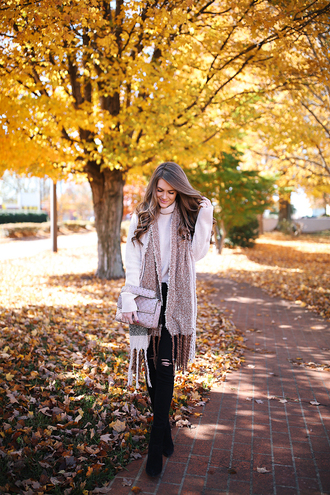scarf tumblr sweater weather knit knitwear knitted sweater sweater white sweater turtleneck winter scarf jeans black jeans skinny jeans boots black boots