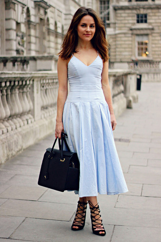 the little magpie blogger dress spring dress blue dress light blue black leather bag strappy sandals leather bag