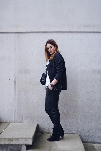 moderosa blogger jacket bag black boots casual