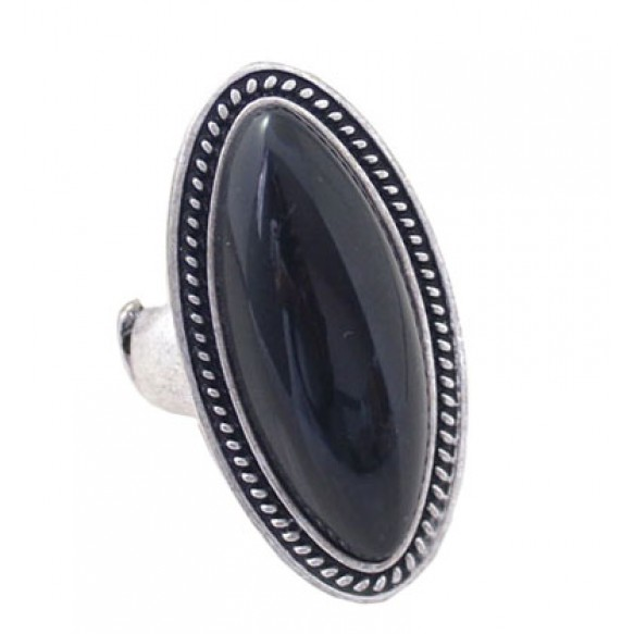 Oversized Stone Stretch Cocktail Ring