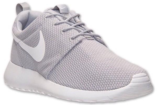 roshe runs grey and white