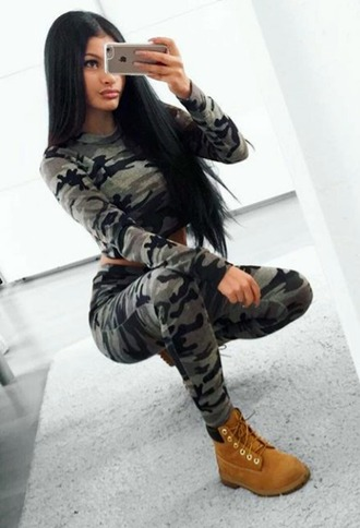 two-piece two piece pantsuits army green olive green camouflage camo pants print grey grey sweater grey sweatpants grey pants khaki khaki pants black flecks pattern cool nice sexy girl girly beautiful selfie female pretty gorgeous lovely feminine lady iphone
