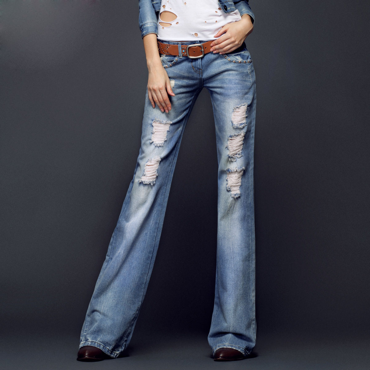 Ripped Flare Jeans - Jeans Am