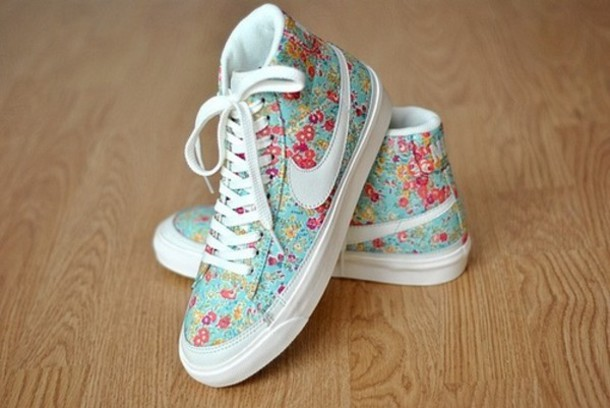 shoes shows flowers cute nike shoes nike floral nike sneakers flowers nike  flowery blue white sneakers