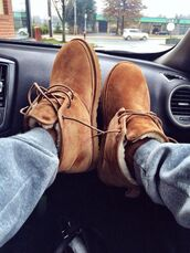 shearling boots,tan,camel,fall accessories,dope,winter boots,shoes,ugg boots,boots,men clothes,instagram,mens shoes,shoes laces brown fuzzy,timberlands,lace up,chestnut,furry boots,exactly these,suede boots,brown boots,flat boots