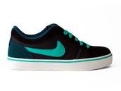shoes,nike isolate,nike,nike shoes,black and green,pink air max,nike roshe run