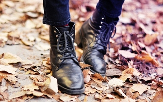 shoes laced up vintage boots ankle boots black boots thrift secondhand thrift shop ebba zingmark leather boots leather ankle boots