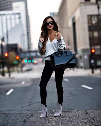 bag black bag shoes grey shoes sweater grey sweater sunglasses black sunglasses jeans black jeans