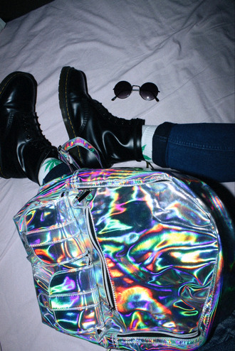 bag grunge grunge boots sunglasses backpack iridescent holographic bag holographic tumblr rucksack silver rucksack silver metallic silver bag quilted silver backpack quilted bag in my pocket cool rainbow urban grey black white shiny