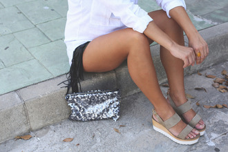 seams for a desire blogger shirt shorts belt bag t-shirt jewels sunglasses shoes