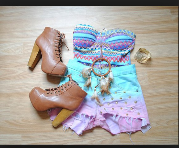 dreamcatcher top tribal pattern bustier high heels High waisted shorts colorful boots