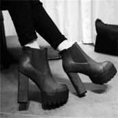 shoes,black,grunge,chelsea,heels,hipster,goth,tumblr,black platform boots,black platform heels,platform shoes,boots,dark,booties,punk
