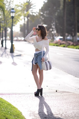 platforms for breakfast blogger platform shoes peep toe heels thick heel white bag long sleeves crop tops off the shoulder summer outfits