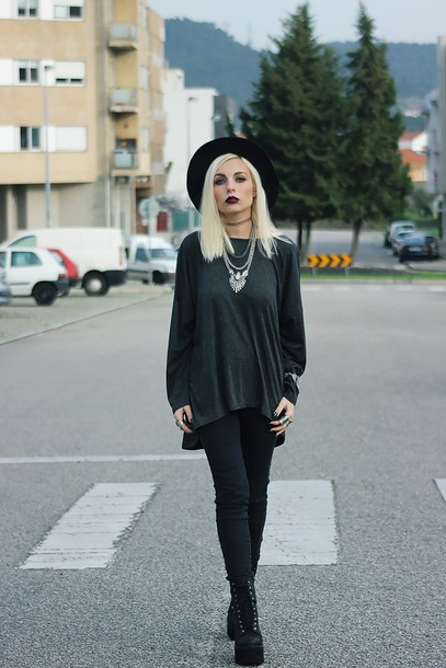 the black effect blogger blouse jacket jeans shoes jewels hat