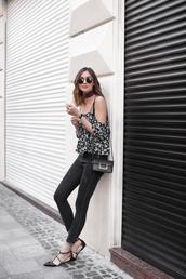 top,off the shoulder top,black jeans,black sandals,blogger,floral,round sunglasses