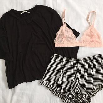 underwear lace bra t-shirt tee-shirt tee shirt brallete bra bralet top shorts