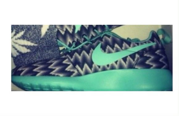 nike shoes grey rosh run turquoise chevron nikeroshe