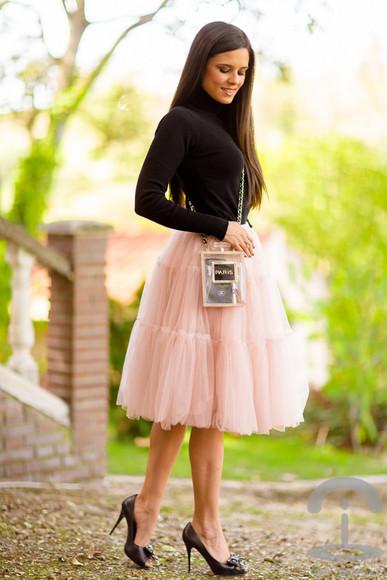 tulle skirt blogger jewels crimenes de la moda clutch turtleneck