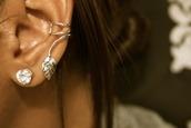 leaves,earrings,silver earrings,jewels,cartilage