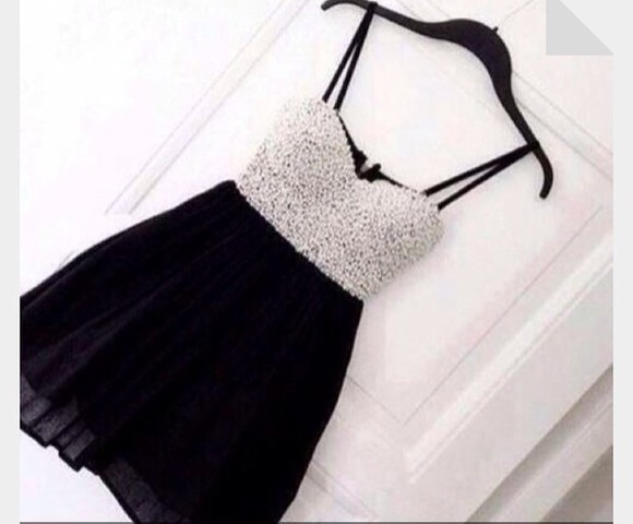 dress pearls black