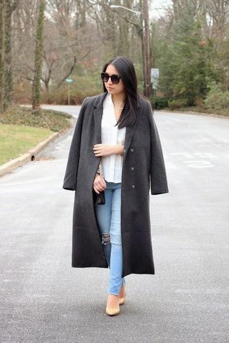 looks by lau blogger long coat grey coat jewels coat top jeans shoes grey long coat