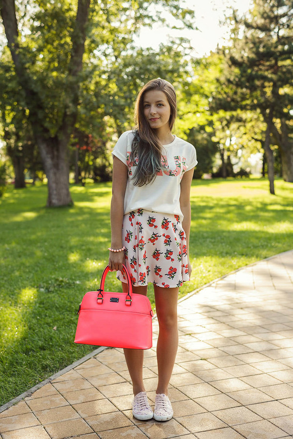iemmafashion blogger t-shirt skirt shoes bag jewels