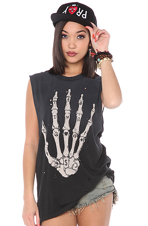 UNIF Tee Skullhand Black -  Karmaloop.com