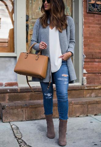 hauteofftherack blogger leggings sweater bag shoes jewels sunglasses handbag cardigan winter outfits