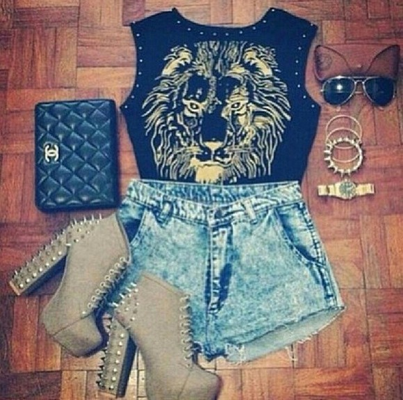 t-shirt shoes bag shorts jewels lion high waisted short cute high heels