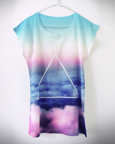 PrettySucks / Sky Triangle Shirt: 25,00 EUR