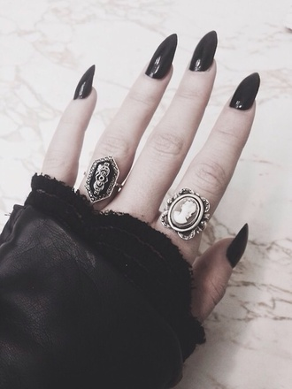 jewels jewel ring pretty face silver jumper sweater cute sleep black acrylics lace matte white vintage silver ring sweatershirt fake nails lace dress