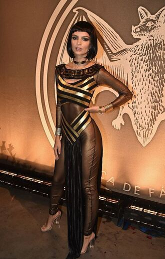 jumpsuit costume halloween halloween costume emily ratajkowski model off-duty cleopatra halloween makeup