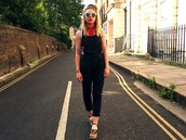 the velvet black,grunge,blogger,jewels,sunglasses,shoes,overalls,dungarees,black overalls,wedges,wedge sandals,round sunglasses,bandana,jumpsuit